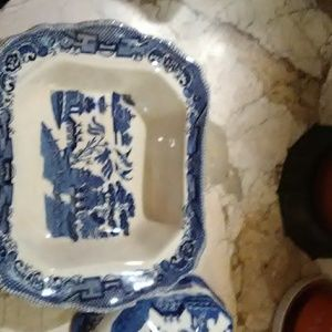 Buffalo Pottery Blue Willow Accents - GREAT Piece of Blue Willow Buffalo Pottery